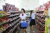 校园超市里商品丰富,充分满足大家的生活所需